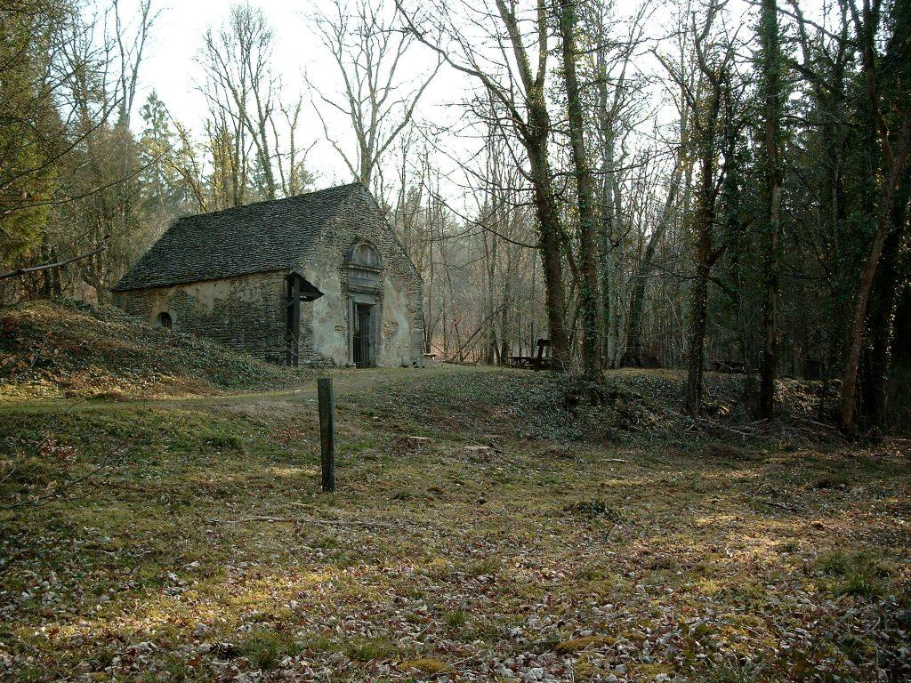 La chapelle de l'ermitage (sentier botanique à St Remy)