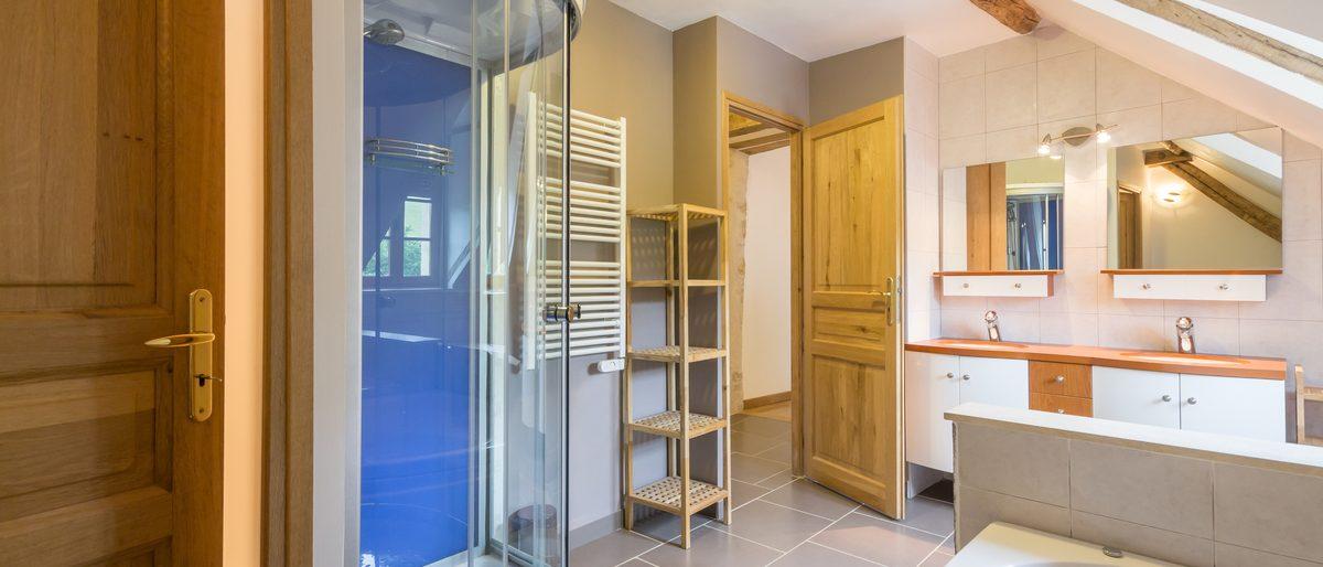 Permalien vers:La salle de bain à l'étage
